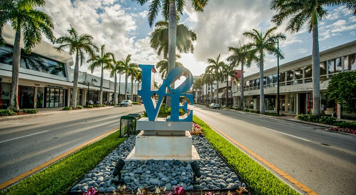 Bal-Harbour-Love-Sign-LS-miami-700
