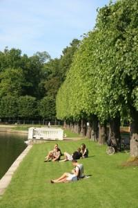 Relax al parco Kadriorg, Tallinn Estonia (foto di Alistair Ford)