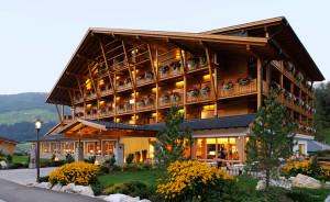Alta Pusteria in Alto Adige: esterno hotel Bad Moos
