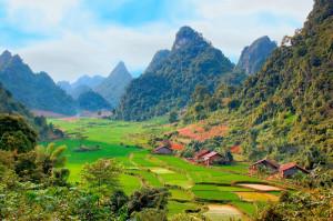 Vietnam-villaggio-valle-MEDIUM