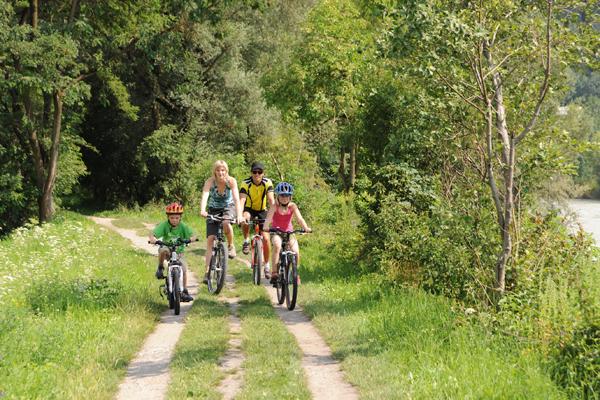 Visitare Innsbruck e dintorni con bambini in bicicletta