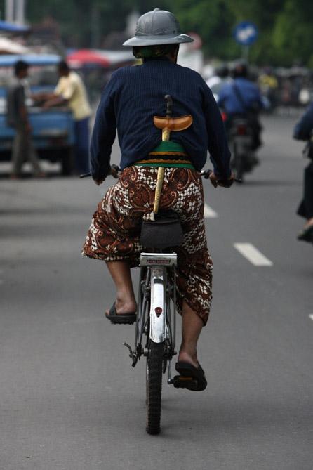uomo-bici-yogyakarta