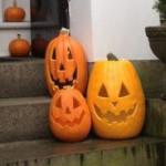 Salem-halloween-negli-stati-uniti-orientali-zucche-case-Chestnuu-street-2-200