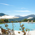 piscina-resort-collina-d'oro-300