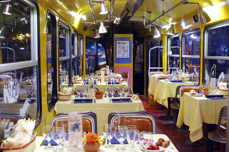 cena-a-roma-sul-tram-ristorante