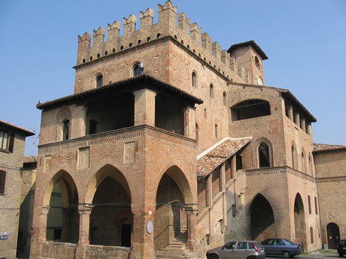 Viaggio-nel-Borgo-di-Grazzano-Visconti-elisa-dioli-castel-arquato