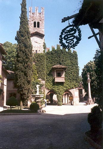 Viaggio-nel-Borgo-di-Grazzano-Visconti