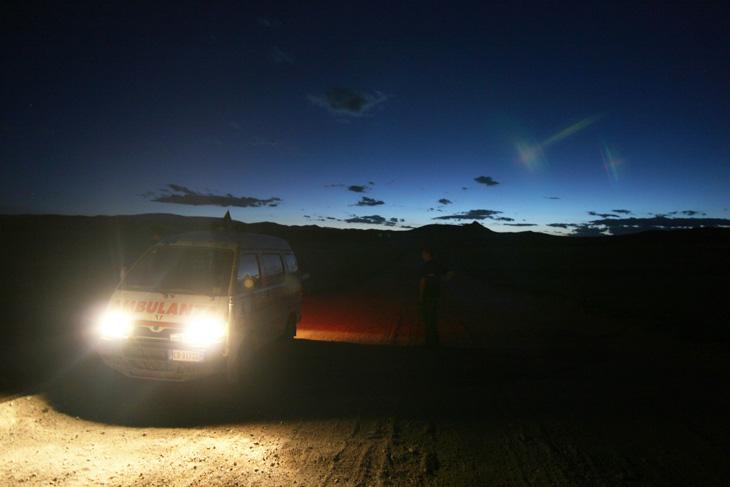 il-grande-khan-viaggio-a-ulan-bator-notturna-730
