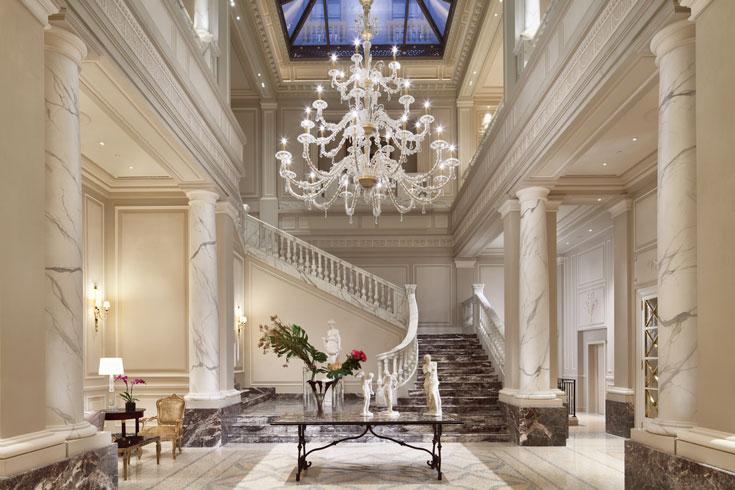 Palazzo parigi maison di lusso con vista madonnina for Soggiorno milano