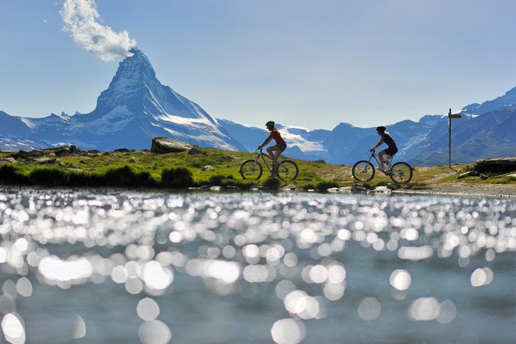 bici-nel-vallese-zermatt-foto-di-Christian-Perret-700