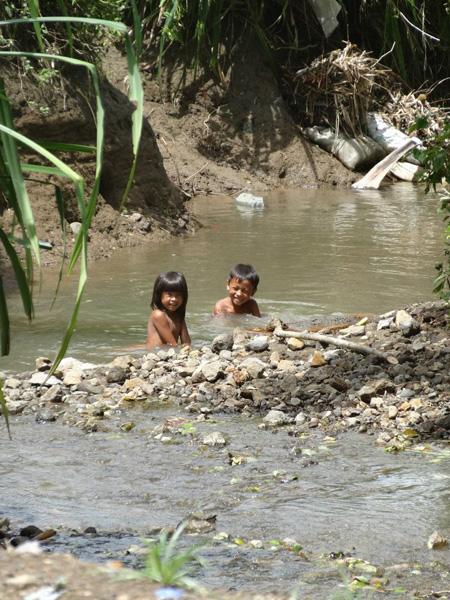 Diario-di-viaggio-Bali-Erika-On-The-Road-Bambini-600
