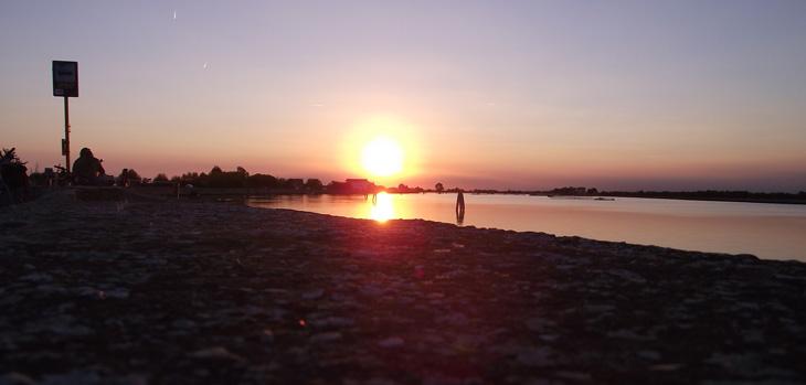 mare-cavallino-tramonto-laguna-730