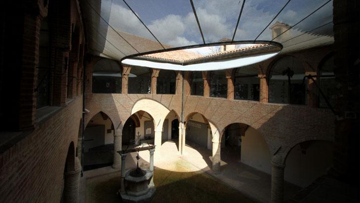 Pinacoteca-Moljoli-chiostro-Foto-di-Laura-Pavoni-mostra-da-giotto-a-gentile-700