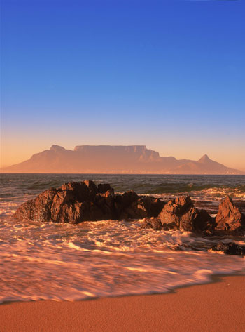 Cosa-vedere-a-Cape-Town-Table-Mountain-dal-mare-500