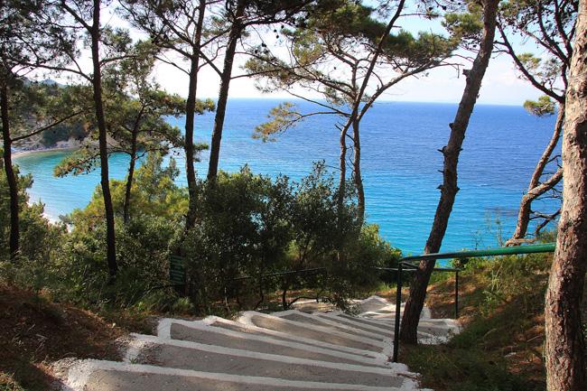 Isola di Samos. Discesa alla spiaggia di Tsamadou, costa nord. Foto di Marco Restelli  copia