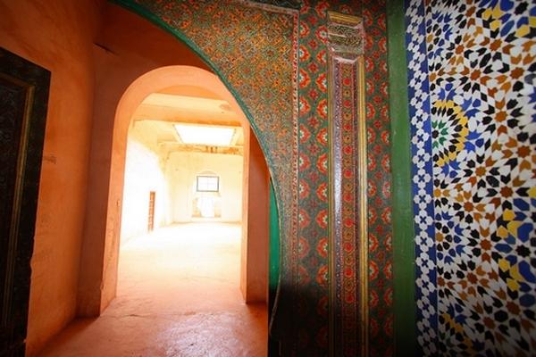 I meravigliosi zellige nella kasbah di Telouèt, ormai abbandonata
