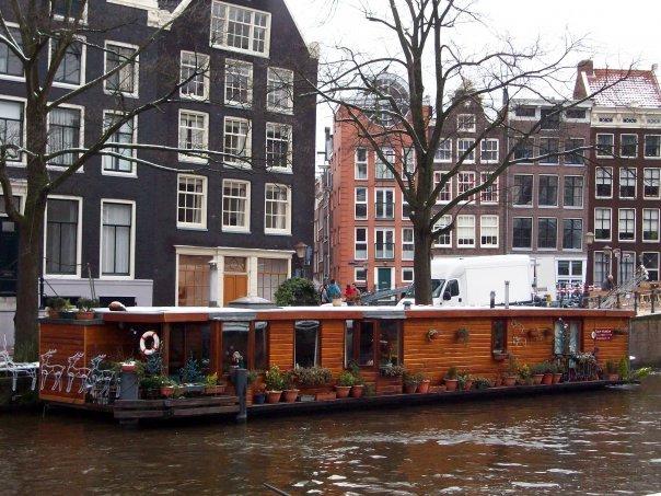 turismo-accessibile-amsterdam-casa-galleggiante
