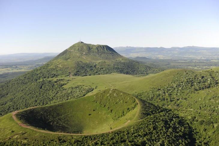 02-Alvernia - Catena dei Puys - puy de Pariou e puy de Dôme