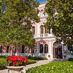 Main-Entrance-San-Clemente-Palace-Venezia-300