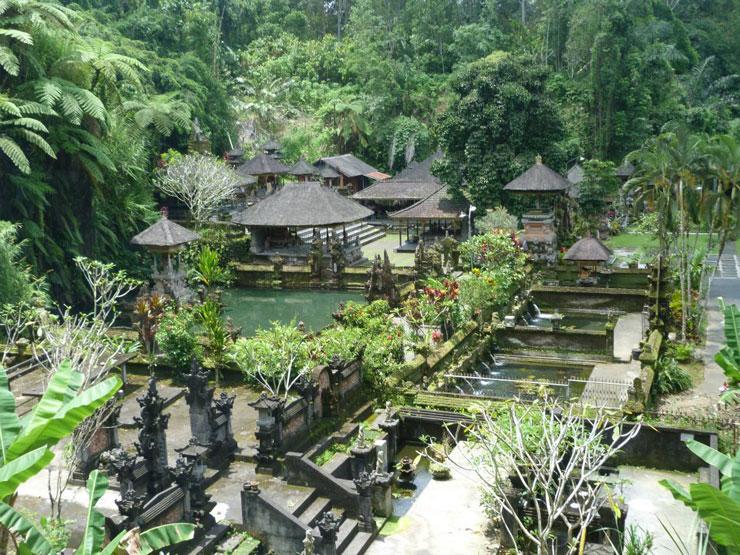 tempio-della-purificazione-a-bali-700