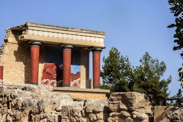 """Il Palazzo di Cnosso a Creta, nell'interpretazione """"romantica"""" di sir Arthur Evans"""