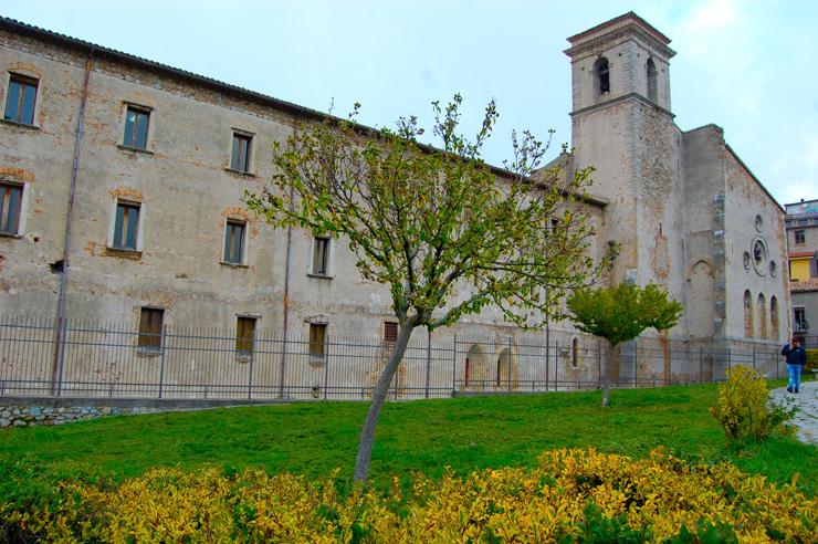 basilica-di-san-giovanni-in-fiore-calabria-700