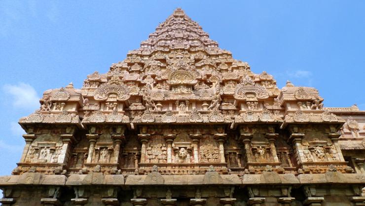 tempio-di-gangaikondacholapuram-tamil-nadu-india-in-sedia-a-rotelle-700