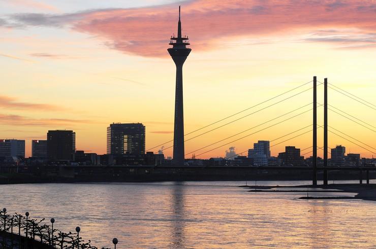 Da vedere a Dusseldorf: la torre sul Reno