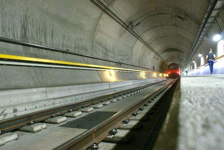 Andare a Lucerna in treno dentro il Tunnel del San Gottardo