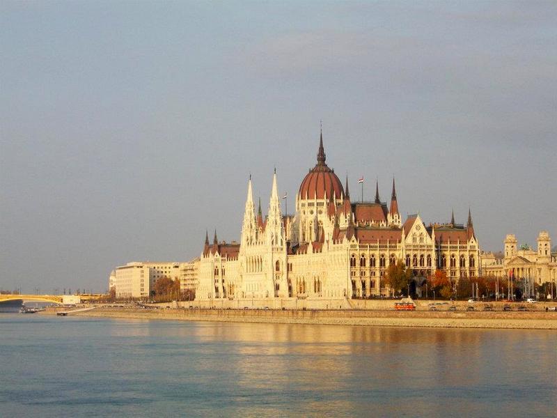 parlamento-budapest-budapest-accessibile-in-sedia-a-rotelle