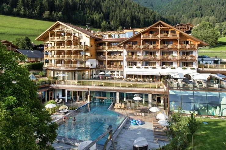 in alto adige uno degli hotel per famiglie pi belli d 39 italia