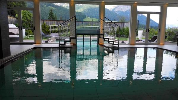 La piscina con vista del Sayonara