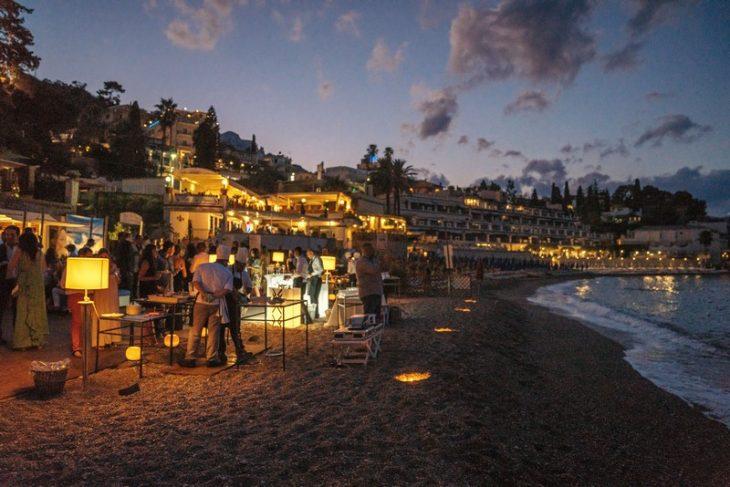 estate taormina feste spiaggia villa sant'andrea