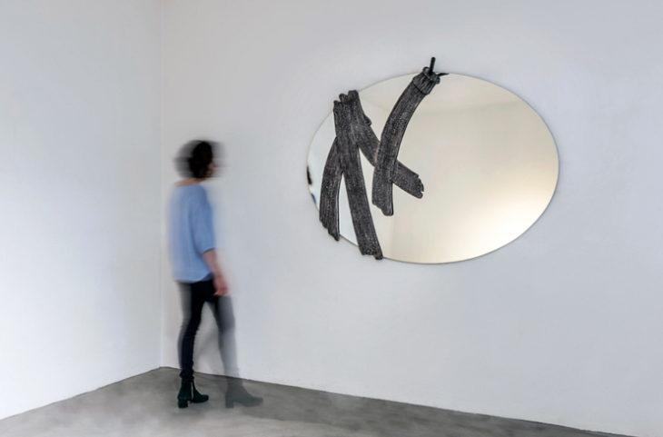 la collezione Annist omaggia lo scultore e designer napoletano Annibale Oste con la realizzazione di 5 elementi d'arredo esposti presso gli spazi della galleria Dilmos a Milano