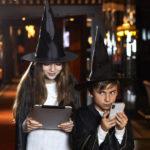 """Il tema è la magia, è qui che i piccoli """"aspiranti stregoni"""" (dai 6 ai 12 anni), insieme ai propri genitori, con in mano lo smartphone (a mo' di bacchetta magica), si immergeranno nel fantastico """"Torneo dei Maghi"""""""