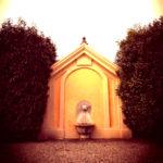 Un soggiorno al Relais Villa Matilde, evidente la passione per lo stile e l'arte, tra quadri, statue, marmi, specchi, dettagli che riportano a storie del passato. E la passione per l'accoglienza, una peculiarità coinvolgente.