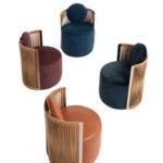 La particolarità della poltrona Thea di Fendi Casa è delineato dal suo elegante e innovativo intreccio in cuoio che avvolge lo schienale dal design circolare, con un innovativo meccanismo girevole