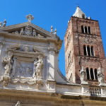 Sette gruppi, con circa 500 figuranti, ha sfilato ripercorrendo la visita della Santa e la riappacificazione delle famiglie ad opera del Beato Jacopo da Varagine.