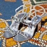 il sandalo caprese è un must have del guardaroba di una donna, un accessorio impeccabile, dallo stile unico e originale