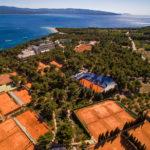 Da martedì 4 a domenica 9 giugno, in scena il Croatia Bol Open a due passi da alcune delle spiagge più belle del mondo. Un appuntamento da non perdere.