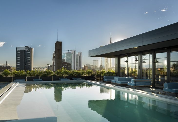 Aperitivo terrazza Milano Ceresio 7 pool e vista