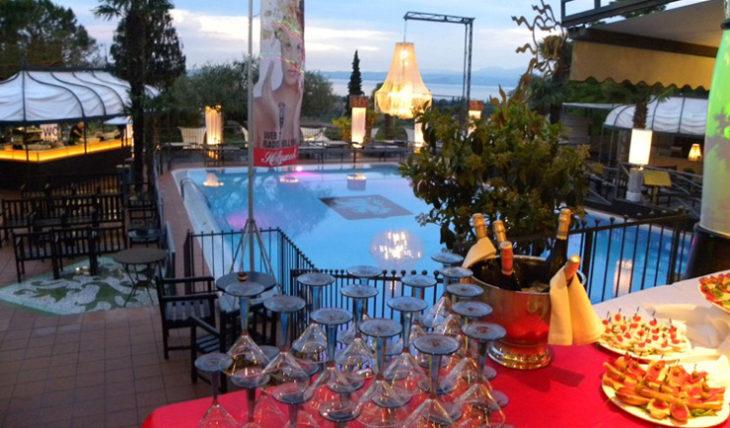 All'Hollywood Bardolino arriva Suburbia, il format che propone i grandi successi degli anni '80 -'90, 2000 e di oggi.