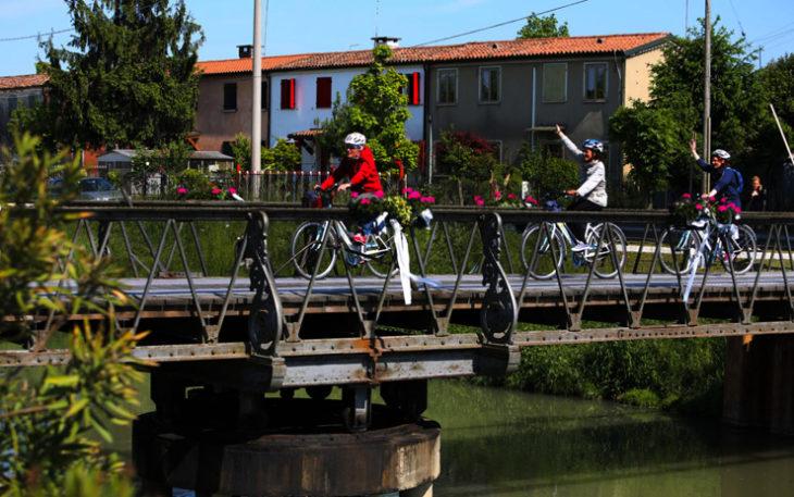 Un viaggio alla scoperta della Riviera del Brenta e della Terra dei Tiepolo, due territori alle porte di Venezia. Un itinerario suggestivo in una terra ricolma di bellezze artistiche e architettoniche.