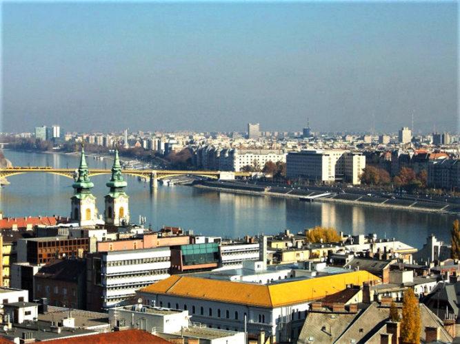 WEEK END D'AUTUNNO: BUDAPEST, LA CAPITALE DIVISA DAL DANUBIO