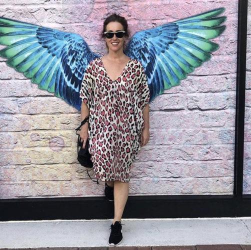 La vie in Rox è un brand di gioielli creato dalla spagnola Rosaura  Rodríguez Ortíz. Italiana di adozione, abita a Monza da quasi vent'anni.  L'ispirazione la trova al cinema, nelle mostre, e nella musica...ovunque, anche seduta  in un caffè osservando le persone che passano. Sono creazioni  accessibili a tutte le donne con voglia di sognare e piacersi per  piacere.