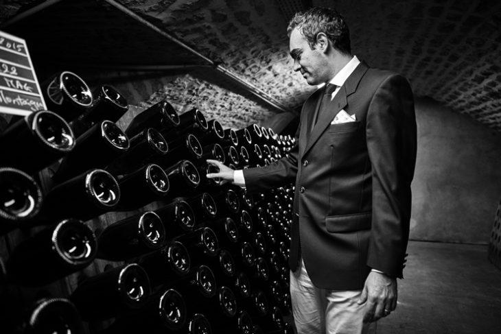Uno Champagne dai valori genuini e dall'approccio eco-friendly che ha il suo caposaldo nella gestione dei vitigni, delle cantine e di ogni fase del suo straordinario processo di produzione.