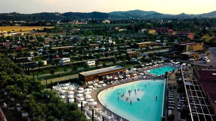 Situato sulle sponde dell'Arno, a pochi chilometri da Ponte Vecchio e da Piazzale Michelangelo, è il luogo ideale per una vacanza green.