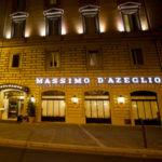 L'Hotel Massimo D'Azeglio, realizzato all'interno di un palazzo di inconfondibile fascino, è il luogo ideale per un weekend indimenticabile nella Capitale. Un motivo in più per trattenersi nella storia, godersi una mostra o regalarsi l'atmosfera natalizia di un'indimenticabile passeggiata romana.