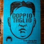 """Il ritorno di Kim Jong-Un nell'ultima opera di Laika. il presidente coreano è riapparso in pubblico e la Street Artist romana ha deciso di ritrarlo nuovamente, dopo la serie """"NO EYEZ ON ME""""."""