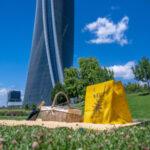 Arriva a Milano il picnic firmato Peck, un nuovo modo di vivere il brunch e l'aperitivo sotto il cielo della metropoli meneghina nella natura del parco di CityLife.